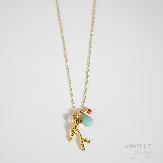 coraline-necklace-preview