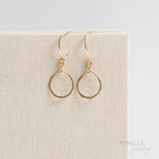 simple-circle-earrings