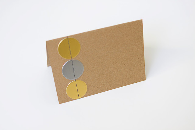 project-1-circle-card-and-envelope3