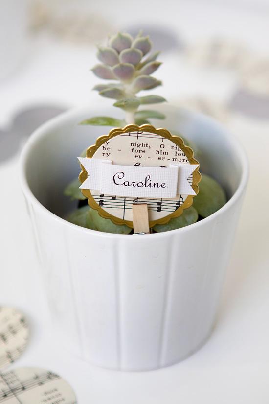 diy christmas place cards name cards armelle blog. Black Bedroom Furniture Sets. Home Design Ideas