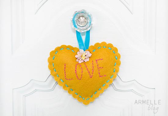scalloped-love-heart-hanger2-1