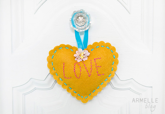 scalloped-love-heart-hanger2