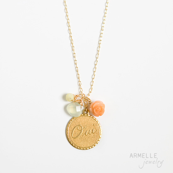 oui-gold-necklace