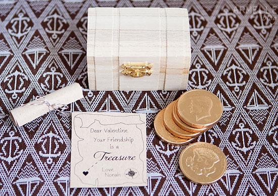 Free Class Valentine Printable // Treasure Box Valentine via Armelle Blog