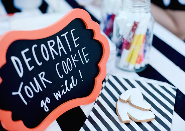 wayfair, party, black and white stripes, white exteriors, blogger party, elenis cookies