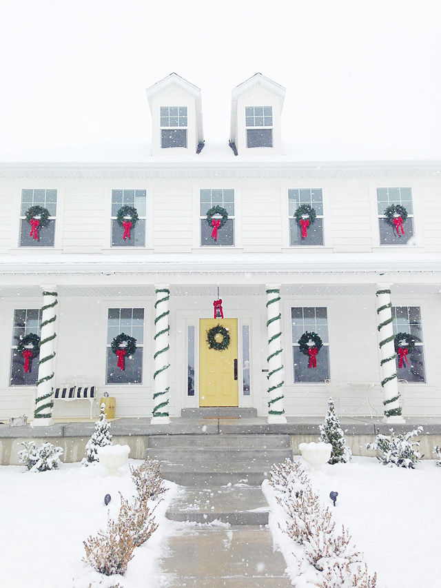 Colonial Christmas House