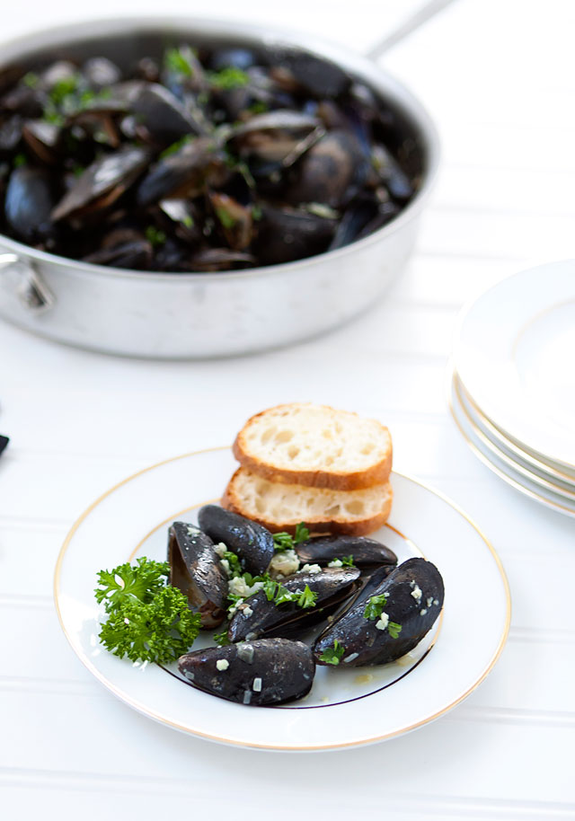 how to clean mussels of sand