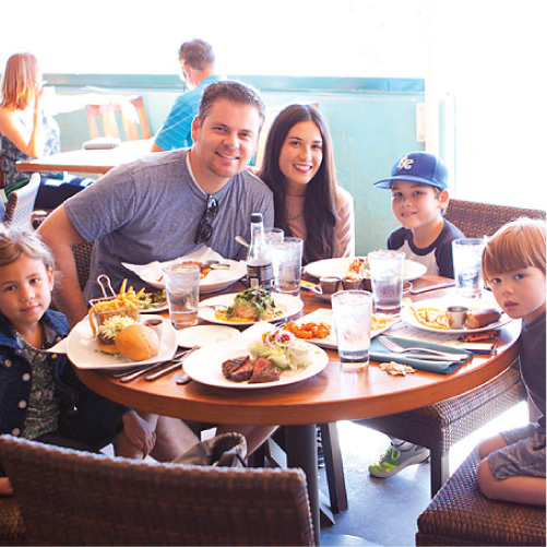 Family Travel // 5 Family Friendly Places to Eat in Huntington Beach