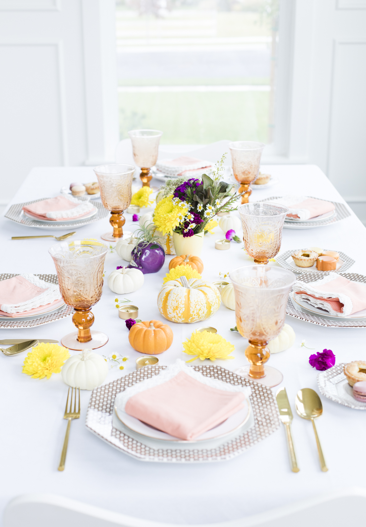Colorful Fall Table Centerpieces