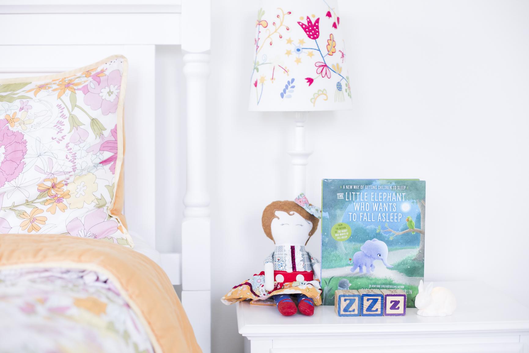 The Little Elephant who wants to sleep Book by Carl Johan