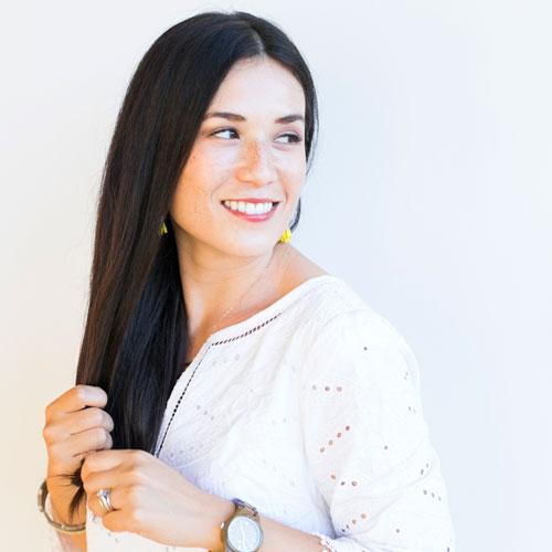 Headshot of Caroline of Armelle Blog