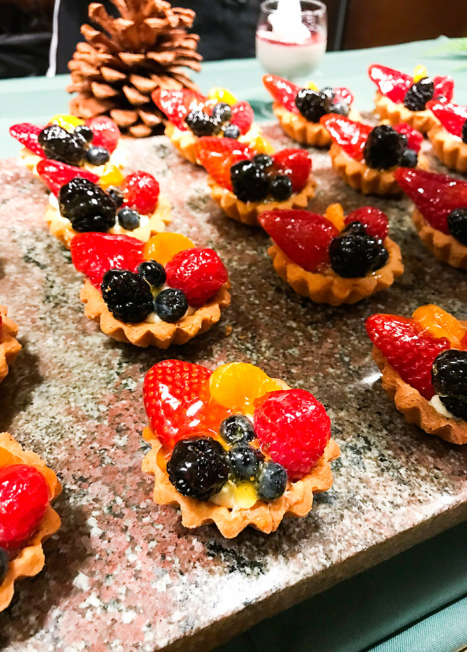 Seafood Buffet Deer Valley Fruit Tart