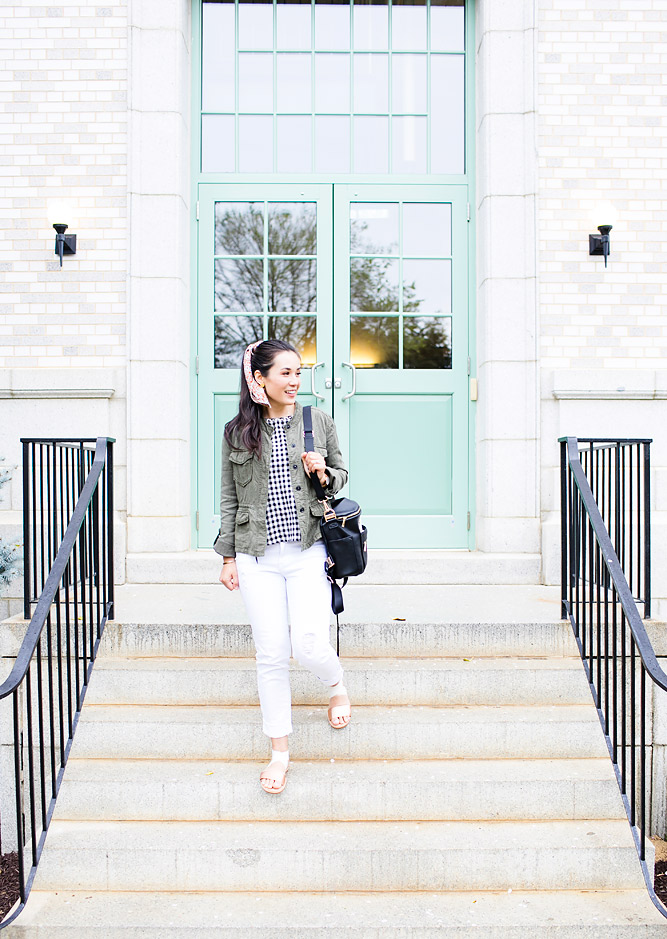 Mom Approved Travel Outfits to Travel in Style and Comfort