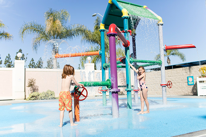 Knotts Berry Farm Hotel Pool Splash Pad